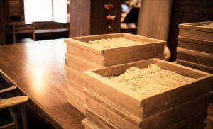 【姉妹店】和の風情漂う、京橋の老舗手打ちそば店